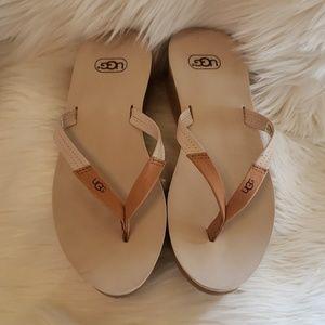 UGG • Thong Flip Flop Sandals